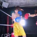 美女同士のトップレスボクシング対決!正統派美人のお姉さまVSアイドル級美少女!!