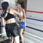女同士の殴り合いがエロいwwwボクシング対決で悶絶ダウン!