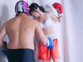 か弱い女の子をボクシングで失神させて縄で縛ってボコボコにする鬼畜動画!